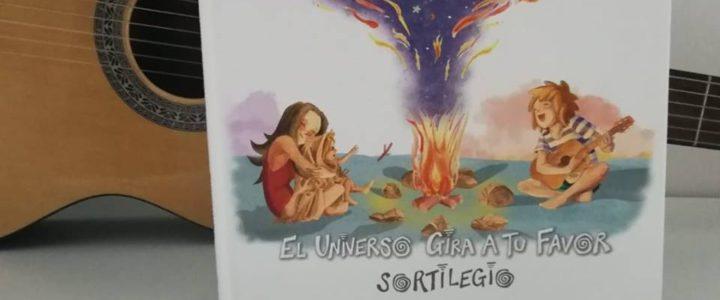 Reseña de 'El universo gira a tu favor' en Pequeideas